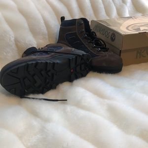 Nevados Shoes - NEW IN BOX NEVADOS HIKING BOOTS